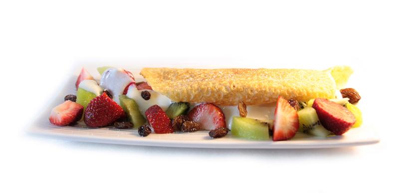 Crepe relleno de frutas frescas y kiwis con yogur EROSKI SeleQtia